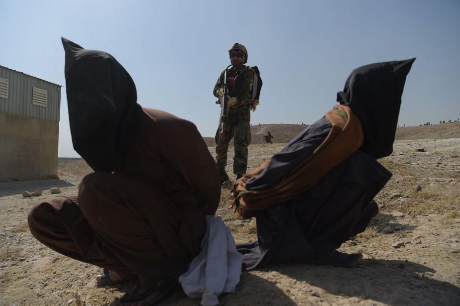 Les attentats de Kaboul et de Ghor surviennent... (PHOTO SHAH MARAI, AFP)
