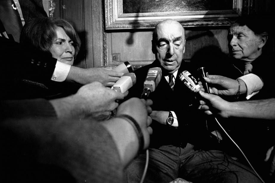 La mort de Pablo Neruda, survenue peu après... (archives AP)
