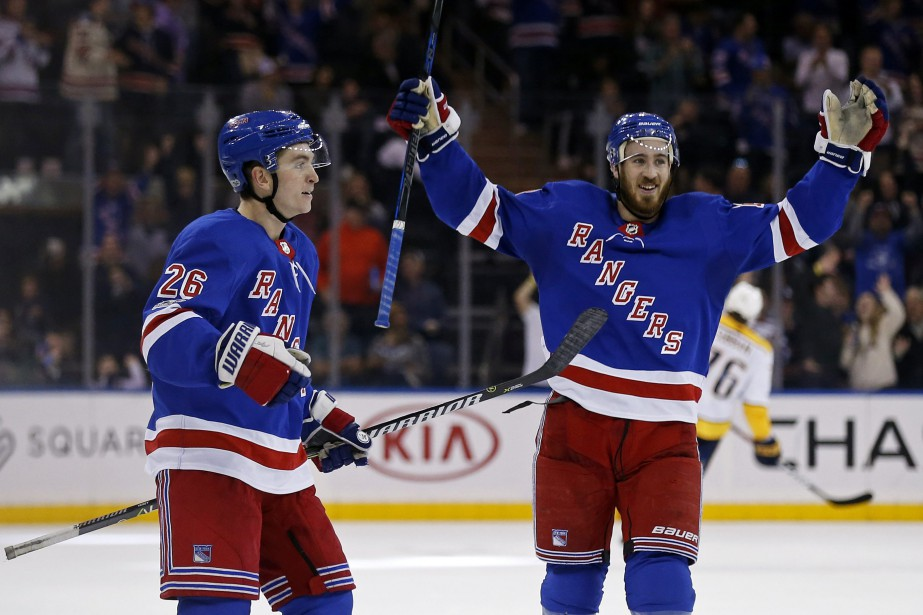 Jimmy Vesey (26) Kevin Hayes ont connu une... (Photo Adam Hunger, AP)