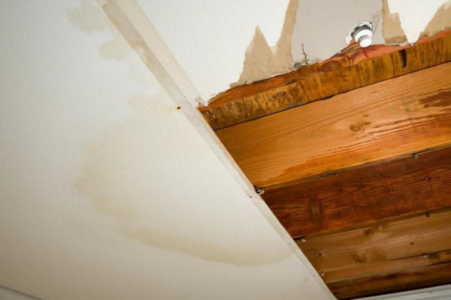 Les infiltrations d'eau doivent être divulguées dans la... (Photo Thinkstock)