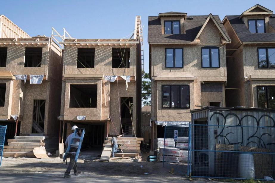 Les banques devront bientôt calculer tous les prêtshypothécaires... (PhotoGraeme Roy, archives La Presse canadienne)