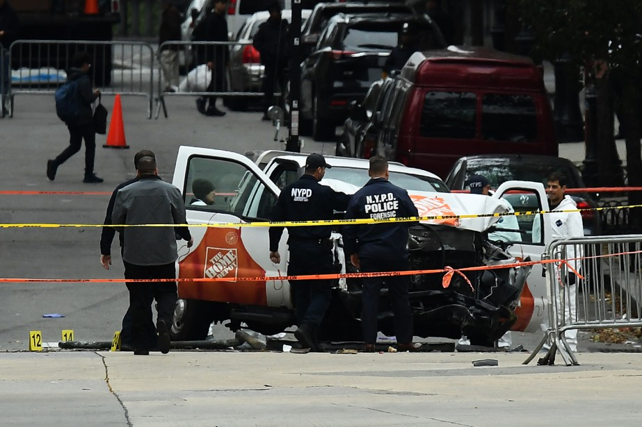 Le chauffeur de la camionnette qui a foncé... (AFP)