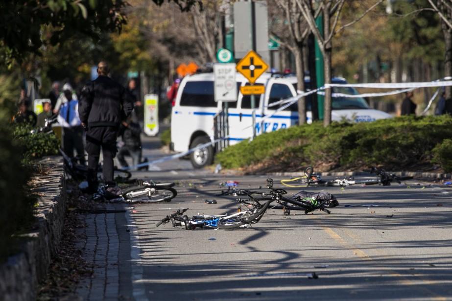 Au lendemain de l'attentat qui a fait huit... (PHOTO REUTERS)