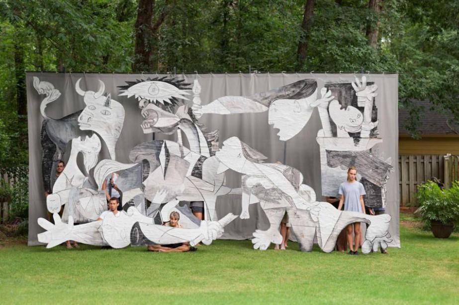Guernica, 2017, Adad Hannah (1971-), épreuve photographique couleur,... (Photo Adad Hannah, fournie par le Musée d'art de Joliette)