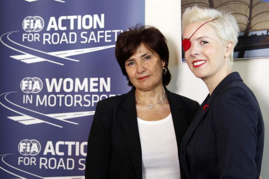 Michèle Mouton, présidente de la Commission Femmes dans le sport automobile de la FIA,et la pilote d'essai Maria de Villota, de l'écurie de F1 Marussia. La photo a été prise peu avant le décès de l'Espagnole, survenu en octobre 2013 des suites de blessures neurologiques datant d'un accident en Formule 1 en 2012.Elle avait perdu l'oeil droit et subi d'autres blessures à la tête. | 2 novembre 2017