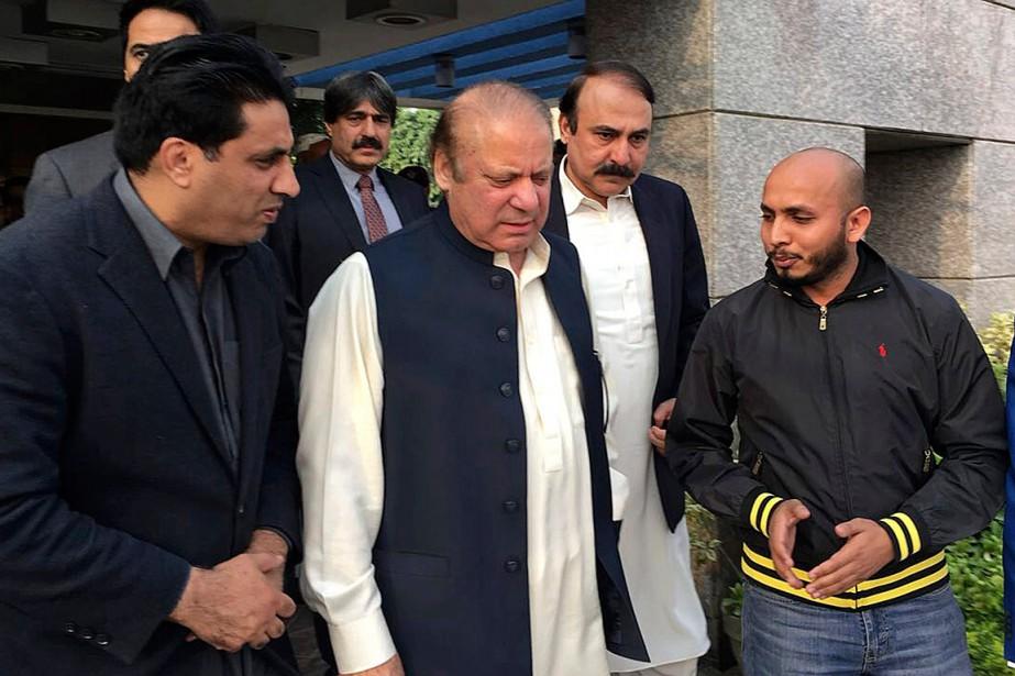L'ex-chef du gouvernement pakistanais Nawaz Sharif est arrivé... (PHOTO AP/LIGUE MUSULMANE DU PAKISTAN)