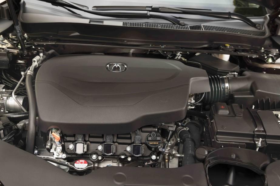 La TLX A-Spec bénéficie aussi de réglages plus affûtés (suspension et direction), de pneumatiques plus performants, mais point de moteur plus musclé. L'A-Spec ne déménage pas plus que ses semblables. | 3 novembre 2017