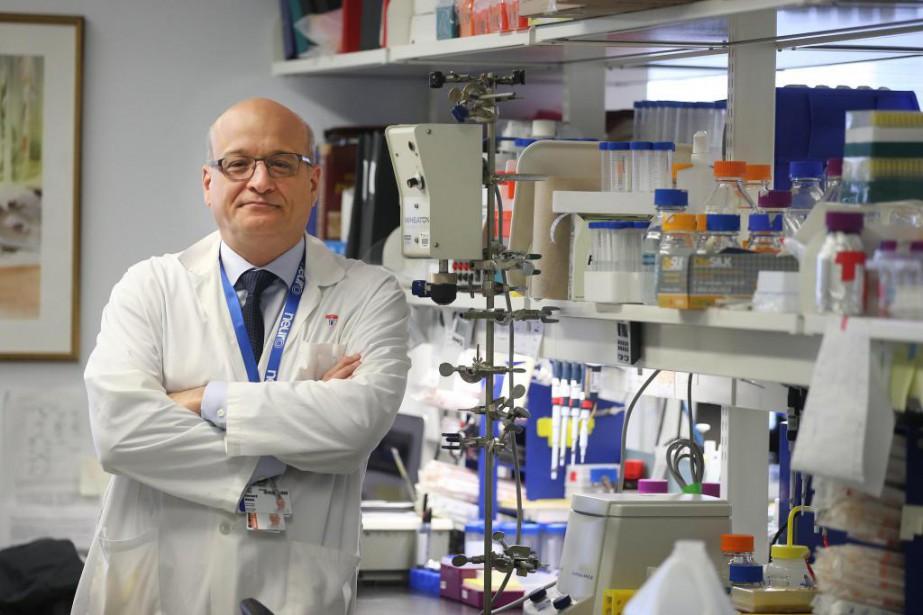 Le neurologue et historienBernard Brais et son équipe... (Photo Martin Chamberland, La Presse)