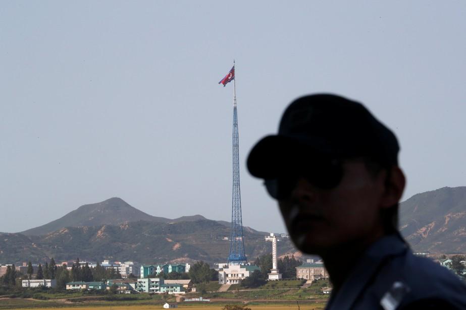 Au cours de sa visite au Japon, le... (PHOTO Kim Hong-Ji, ARCHIVES REUTERS)