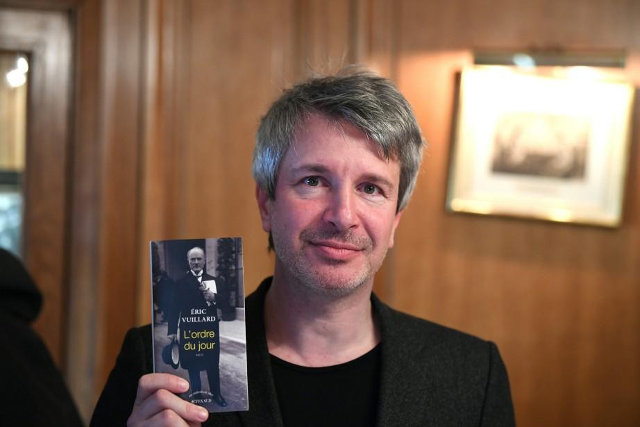 Des quatre finalistes du Goncourt,Eric Vuillard était le... (PHOTO Eric FEFERBERG, AFP)