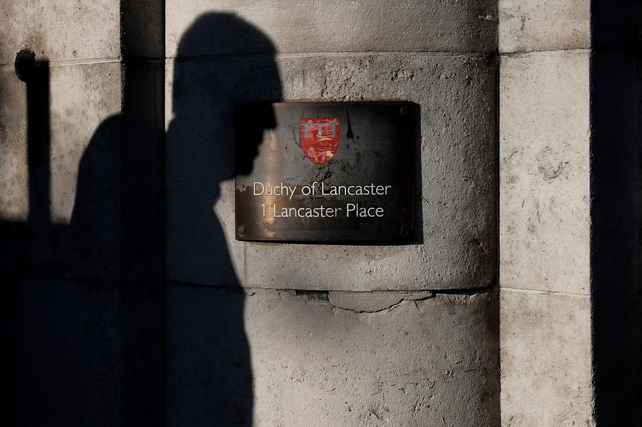 Au Royaume-Uni, une dizaine de millions de livres... (PHOTO Adrian DENNIS, AFP)