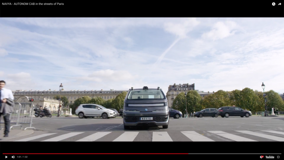 Le taxi autonome de Navya dans les rues de Paris. | 7 novembre 2017