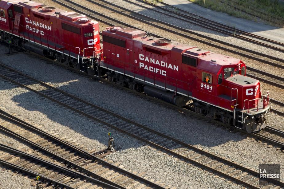 Un travailleur du Canadien Pacifique... (Photo Alain Roberge, archives La Presse)