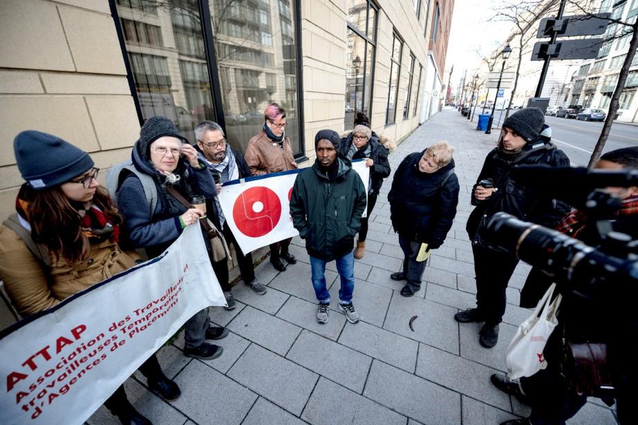 Devant la cour fédérale mardi matin dernier, juste... (Photo Fabrice Gaëtan, collaboration spéciale)