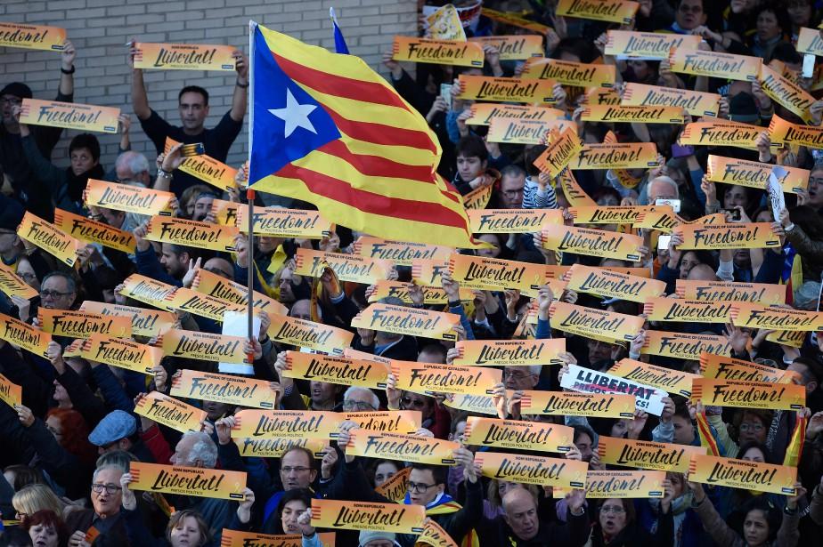 Les Catalans se sont fait entendre aujourd'hui, lors... (photo Josep LAGO, AFP)