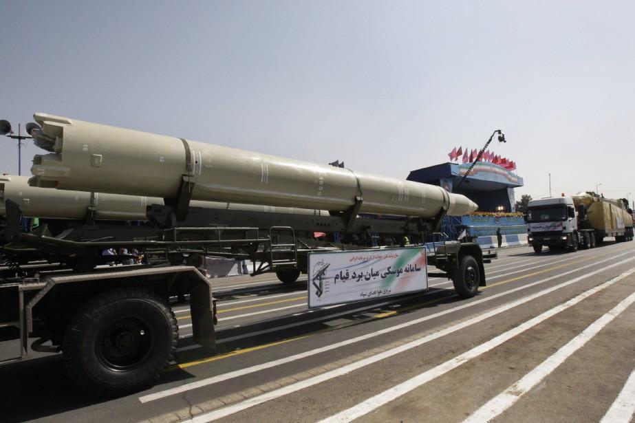 Un missile iranien Qiam exposé lors d'une parade... (AP)