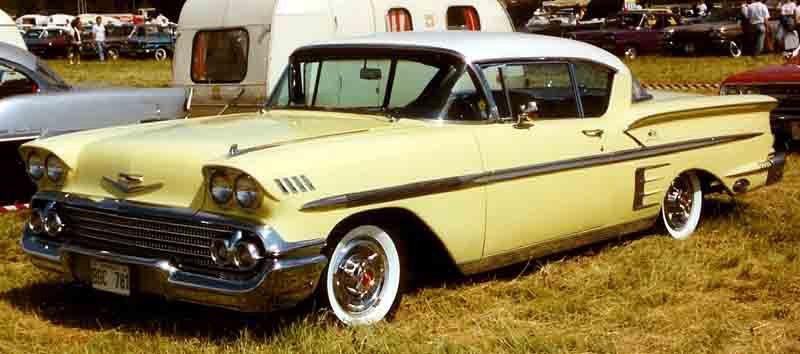 LA VOITURE QUI A MARQUÉ SON ENFANCE - La Chevrolet Impala 1958 jaune et blanc de son père. | 13 novembre 2017
