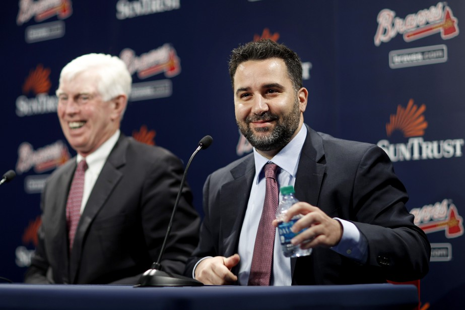Terry McGuirk, président des Braves d'Atlanta, a présentéAlex... (Photo AP)