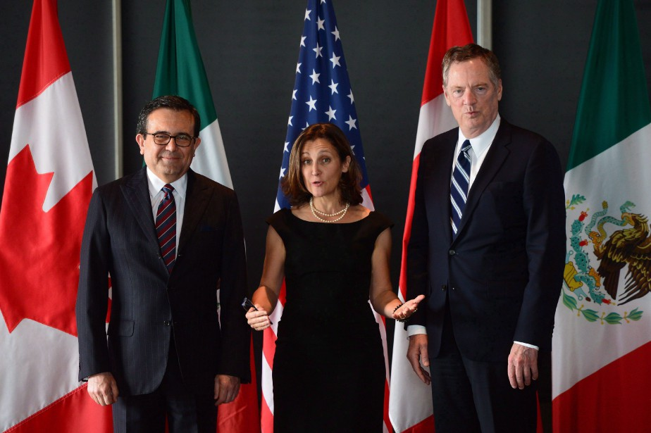 Chrystia Freeland, Robert Lighthizer (droite) et Ildefonso Guajardo... (Photo Sean Kilpatrick, archives la presse canadienne)