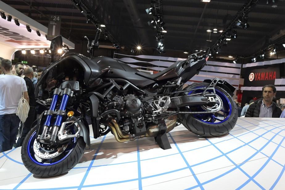 La Yamaha Niken. | 15 novembre 2017