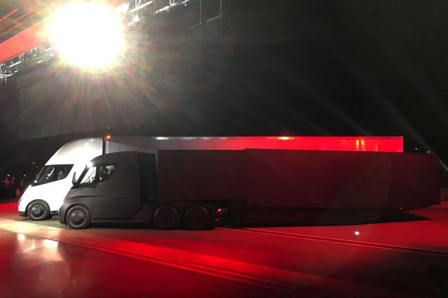 Le nouveau semi-remorque entièrement électrique Tesla aura une... (PHOTO Alexandria Sage, REUTERS)