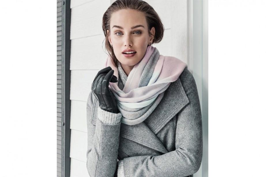 Manteau drapé en laine mélangée avec ceinture et...