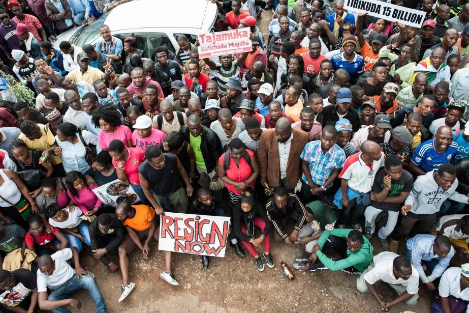 Cette manifestation estl'une des plus grandes jamais organisées... (PHOTO ZINYANGE AUNTONY, AFP)