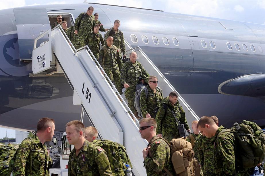 Le Canada a envoyé des centaines de soldats... (PHOTO INTS KALNINS, ARCHIVES REUTERS)