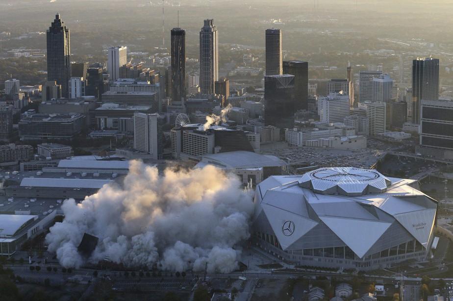 Près de 2270 kilos d'explosifs ont été utilisés... (Photo AP)