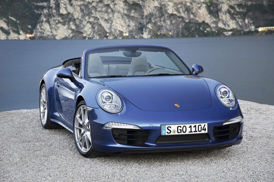 SA VOITURE DE RÊVE - Une Porsche Carrera décapotable bleu nuit. Mais il ne mettra pas «120 000 $ sur un char.» | 21 novembre 2017