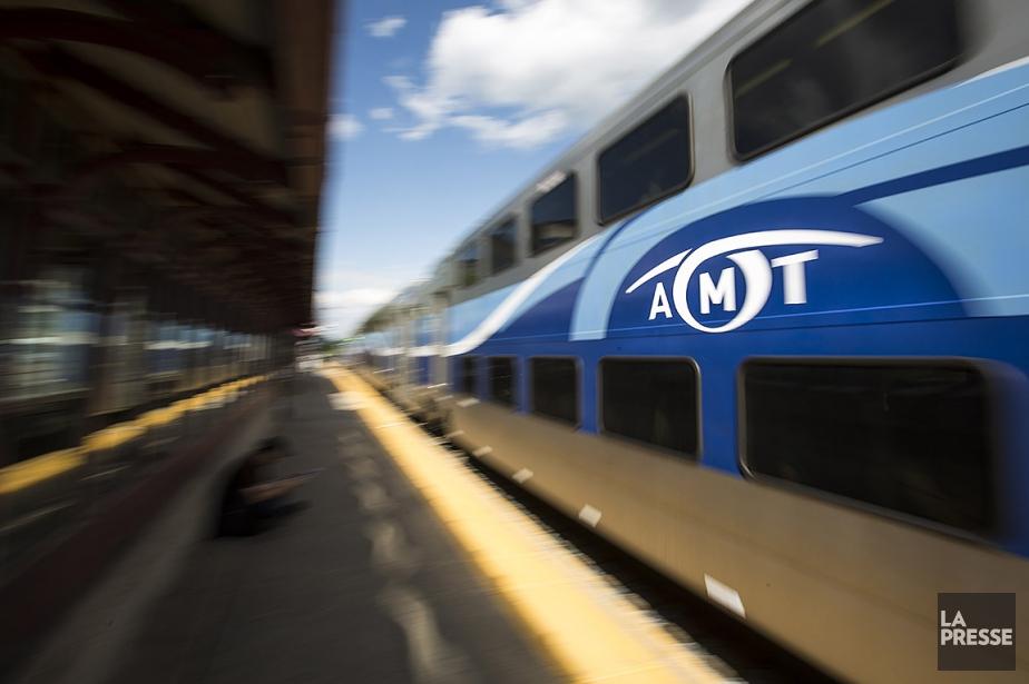 Sur cette photo, un train du Réseau de... (OLIVIER PONTBRIAND, archives La Presse)