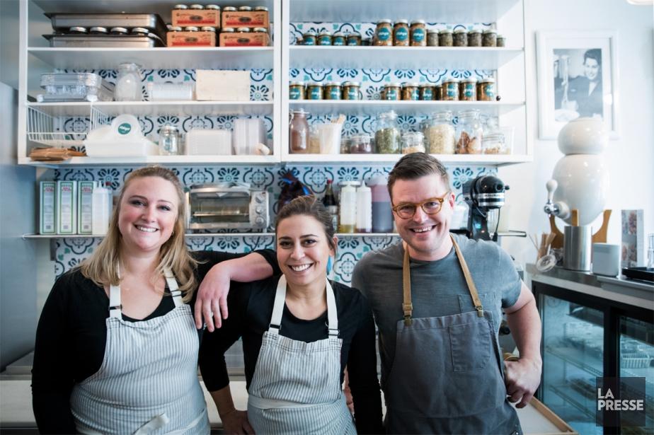 Le trio derrière Fabrizia: Ashley Thornton, Fabrizia Rollo... (PHOTO MARCO CAMPANOZZI, LA PRESSE)