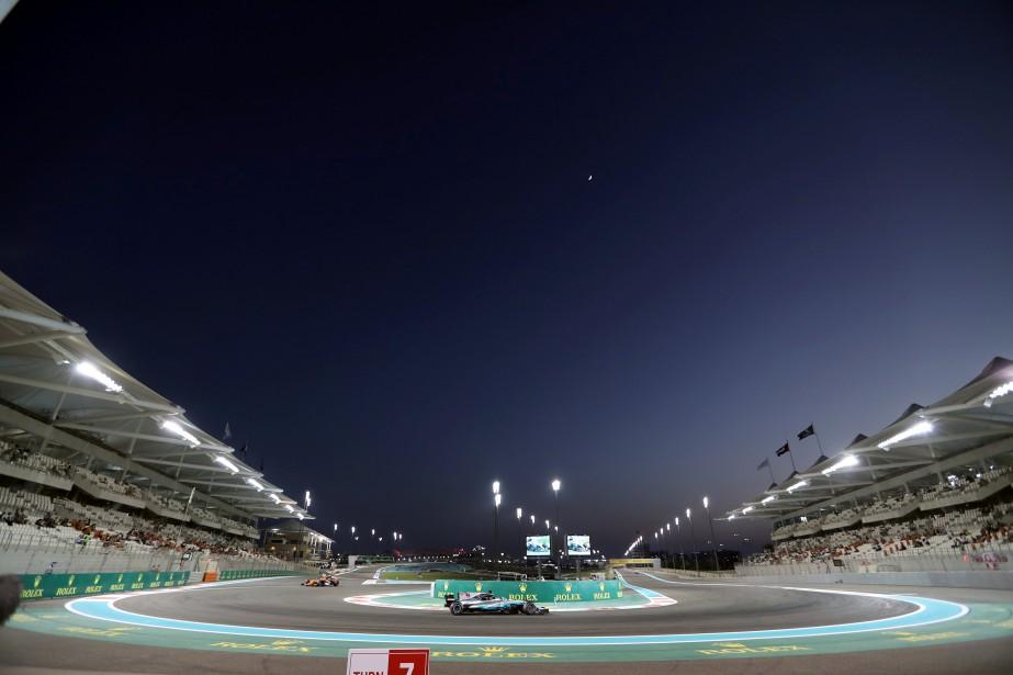 Le GP d'Abou Dhabi, qui sera disputé dimanche, est une course nocturne et seuls les chronos de la seconde séance d'essais (ci-haut) sont représentatifs. | 24 novembre 2017