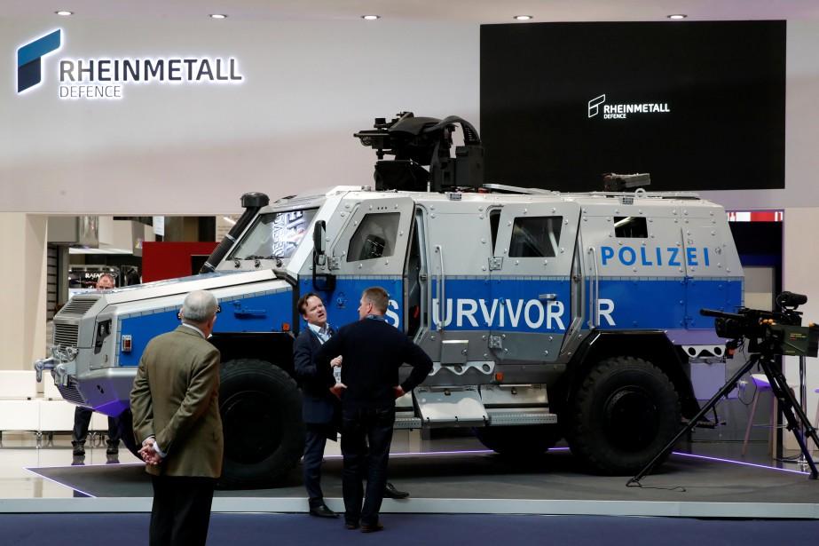 Les transporteurs de troupes urbains sont le principal signe de la militarisation des corps policiers. Le véhicule de protection multirôle Survivor R 4x4 est construit par l'allemand Rheinmetall MAN Military Vehicles (RMMV). | 24 novembre 2017