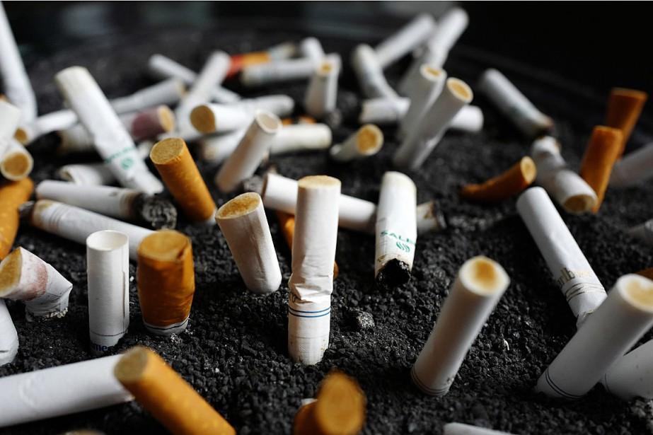 Le tabagisme reste la principale cause de décès... (PHOTO MARK LENNIHAN, ARCHIVES ASSOCIATED PRESS)