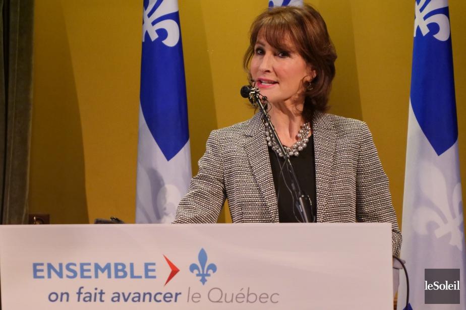 La ministre responsable des Relations avec les Québécois... (Photo archives Le Soleil)