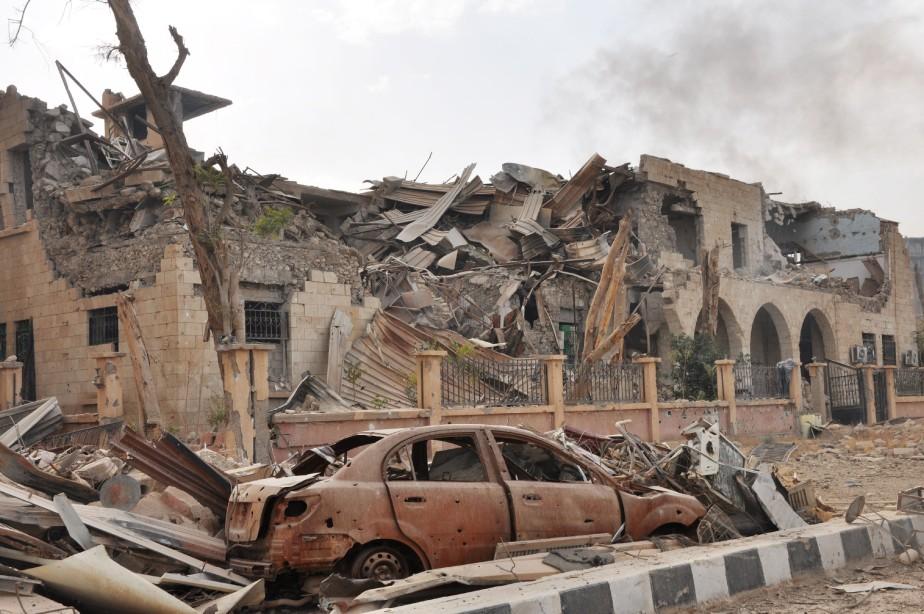 Les raids aériens, menés à l'aube, ont visé... (AFP)
