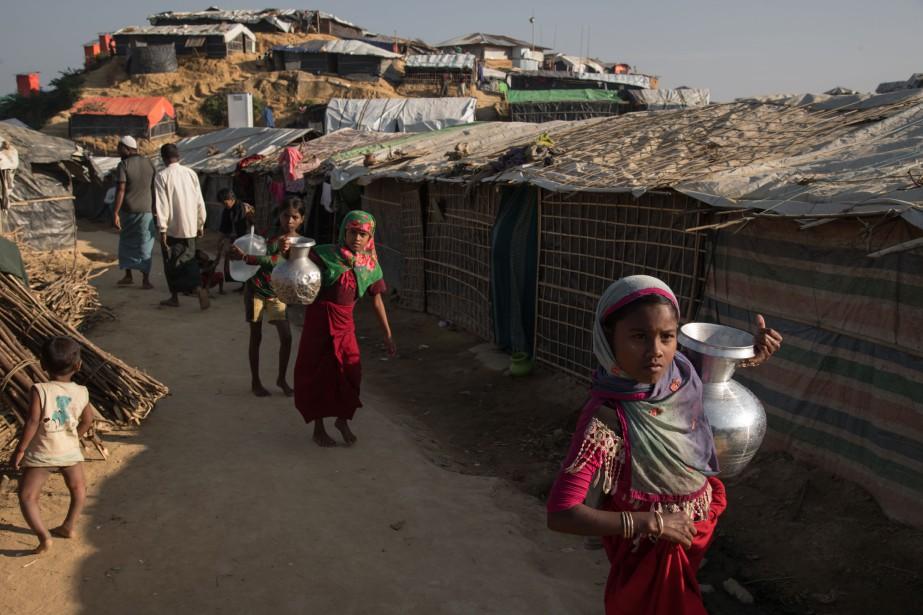 Près de 624000Rohingyas ont fui depuis fin août... (Photo Ed Jones, archives Agence France-Presse)