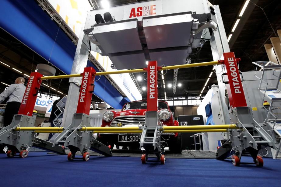 Une barrière modulaire contre les attaques au camion-bélier,... (photo REUTERS)