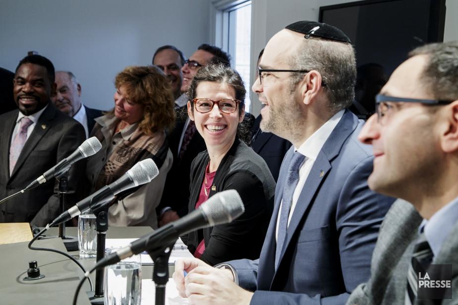 Le chef par intérim de l'opposition officielle, Lionel... (PHOTO ALAIN ROBERGE, LA PRESSE)