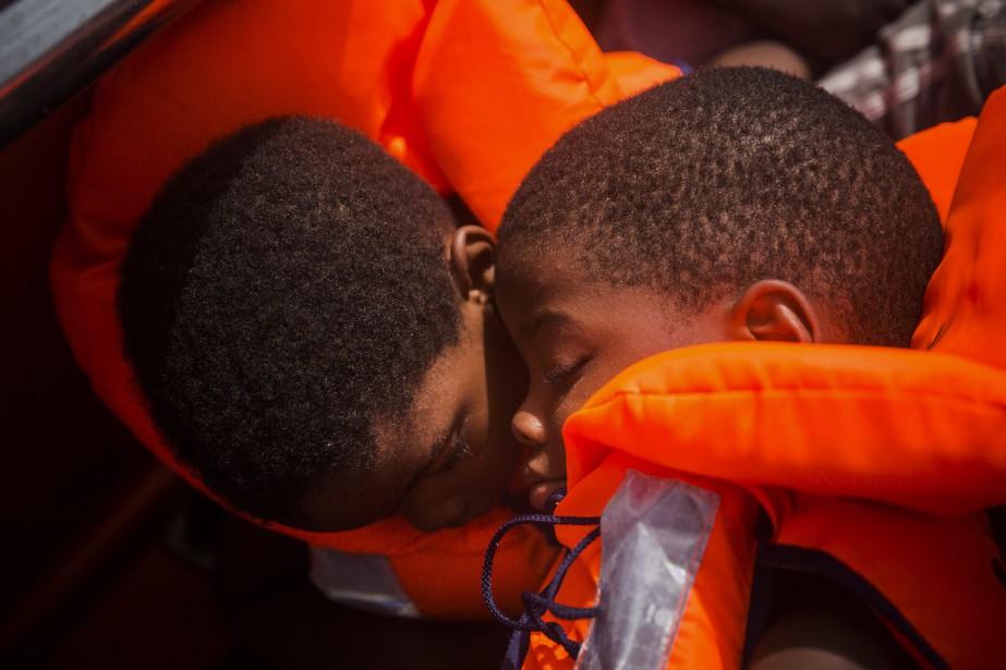Les 3800 migrants, majoritairement de l'Afrique de l'Ouest,... (AP)