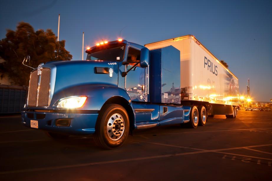 Toyota avait un de ses camions à hydrogène sur place lors d'une conférence de presse durant laquelle le constructeur a annoncé la construction d'une usine de production d'hydrogène à Long Beach (Toyota)