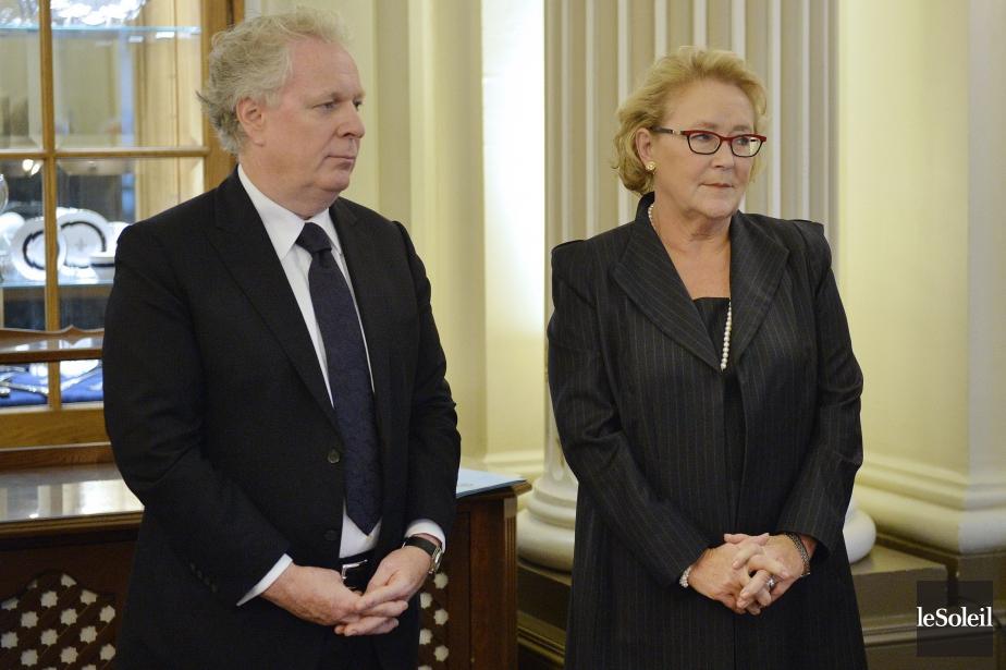 Les anciens premiers ministres Jean Charest et Pauline... (Photo Pascal Ratthé, archives Le Soleil)