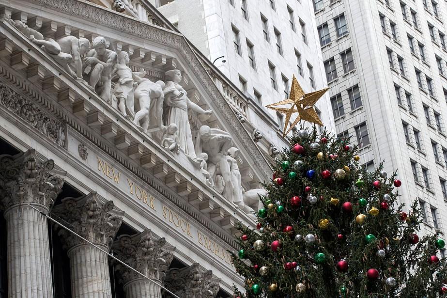 Sur la semaine, le Dow Jones a avancé... (PHOTO MARY ALTAFFER, ASSOCIATED PRESS)