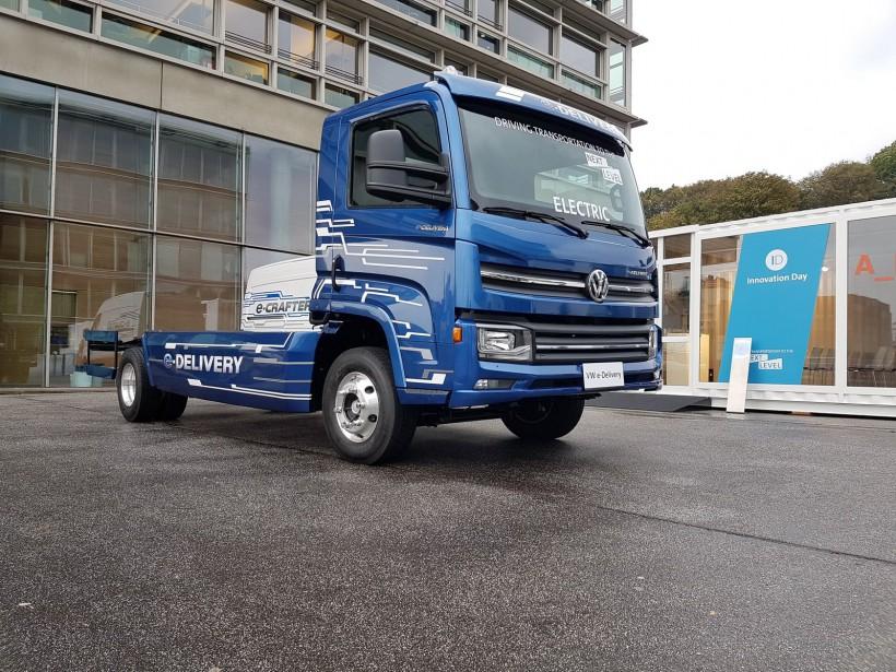 La division de transport commercial de Volkswagen compte investir 2,1 milliards $ dans le développement de camions et d'autobus électriques, en vue d'une commercialisation d'ici un an ou deux. Crédit: Volkswagen ()