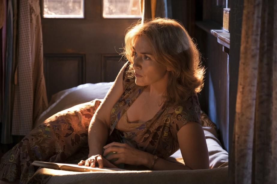 Kate Winslet dans une scène de Wonder Wheel.... (Photo fournie par Amazon Studios)