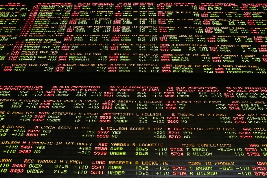 Des paris du Super Bowl à Las Vegas.... (Photo John Locher, archives Associated Press)