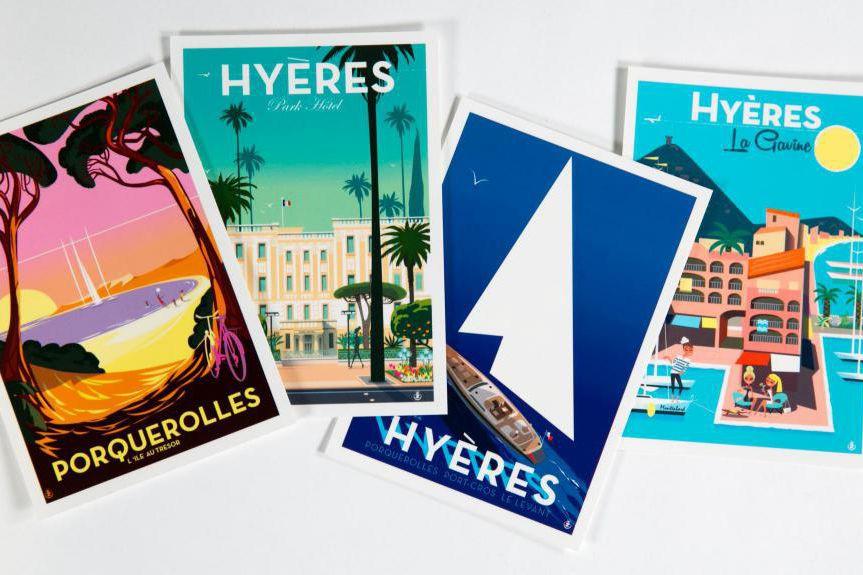Cartes postales rapportées de Provence... (Photo François Roy, La Presse)