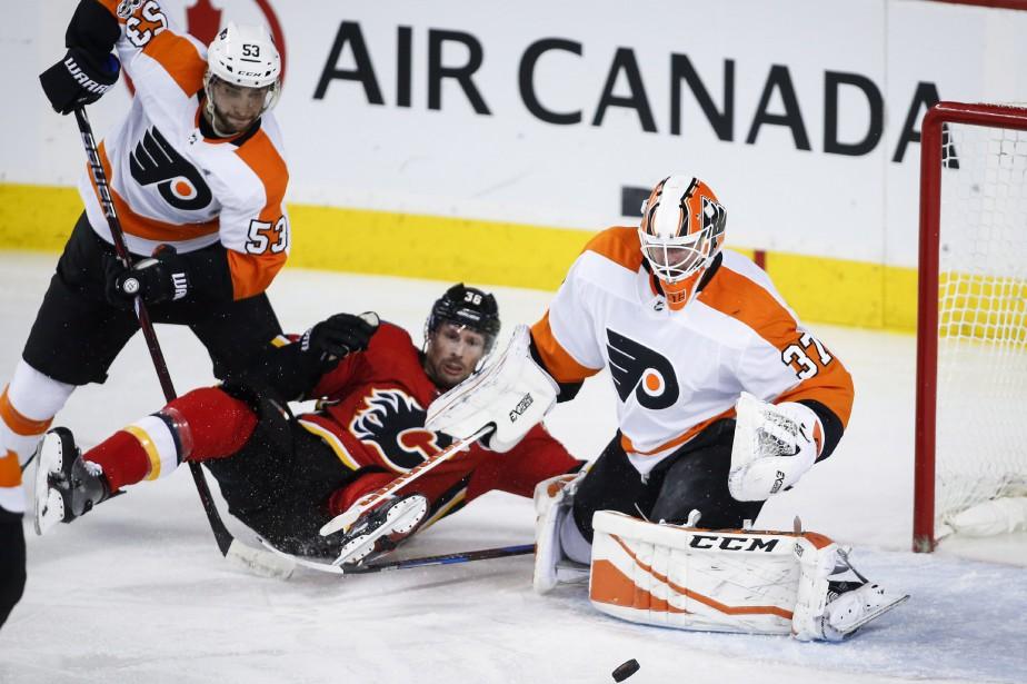 Scott Laughton a marqué deux buts et les Flyers de Philadelphie ont... (PHOTO PC)