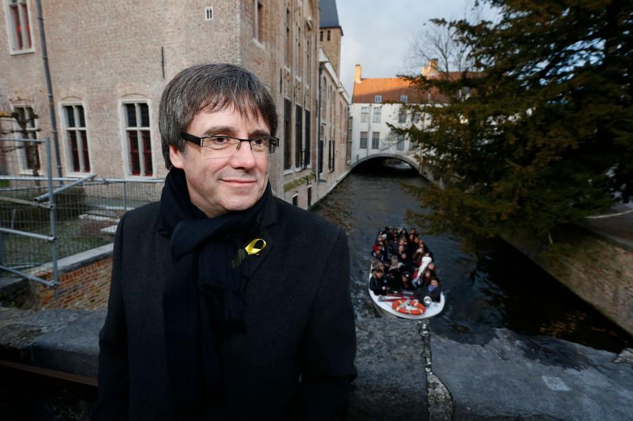 Carles Puigdemont et quatre collègues s'étaient installés en... (AFP)